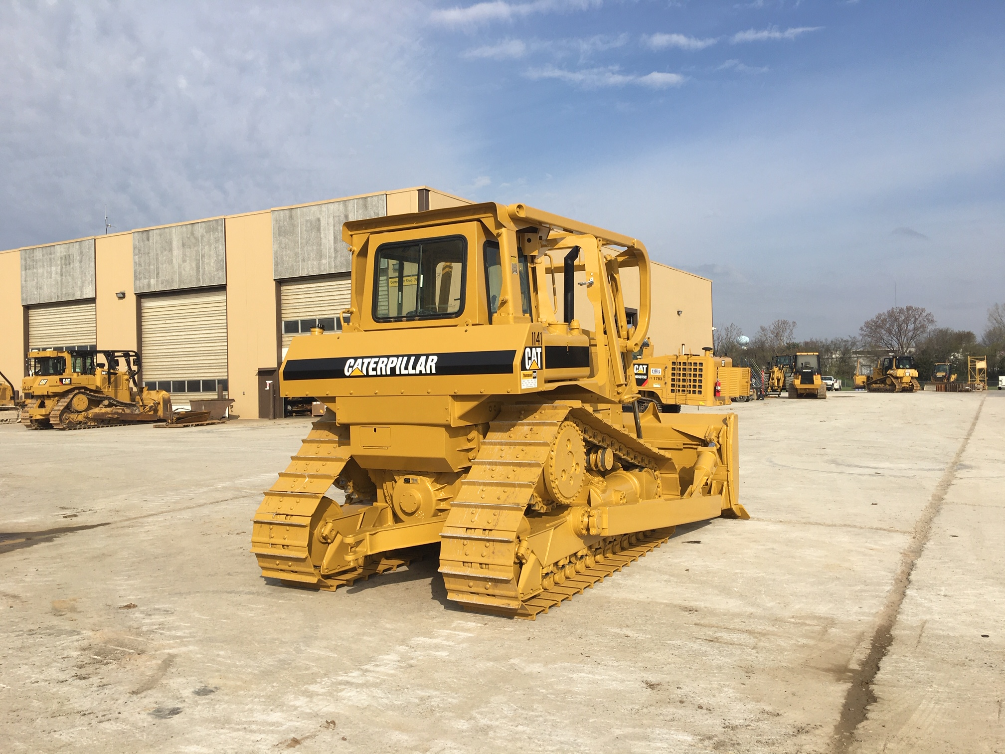 repainted Cat dozer