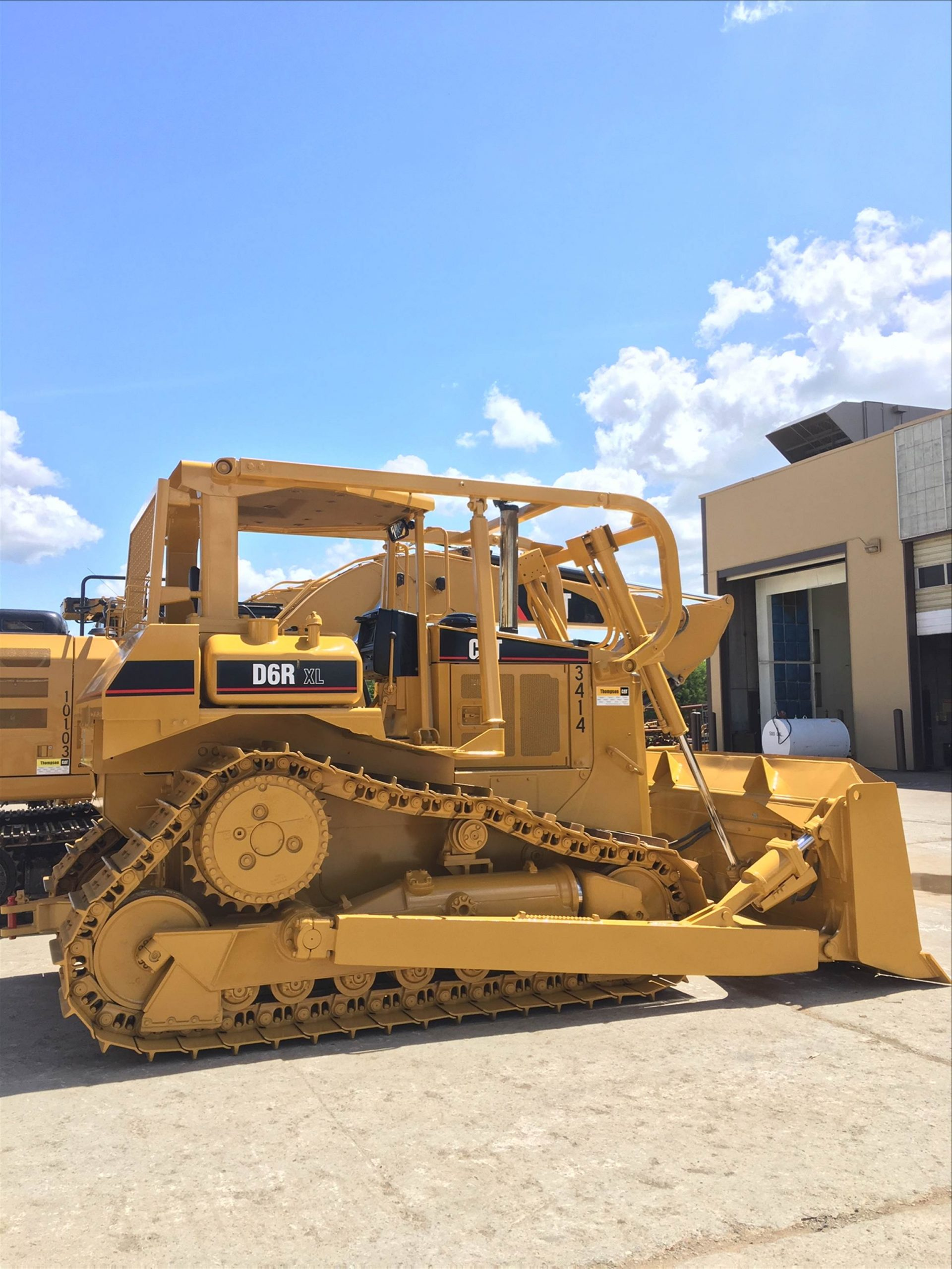 caterpillar dozer painted to original cat color