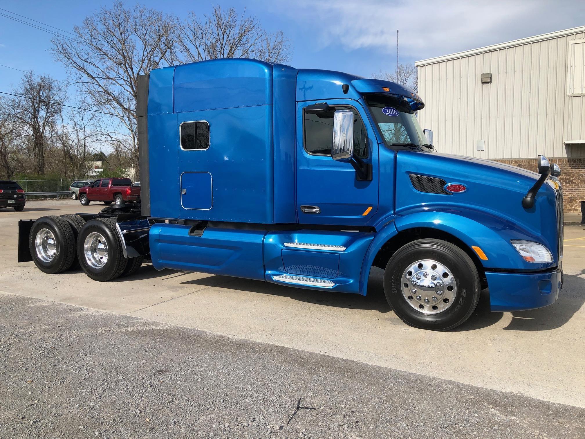 Buy Used Caterpillar Heavy Duty Trucks | Thompson Machinery